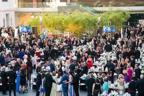 fundraising events for nonprofits cleveland | heart and stroke ball 2018 crowd