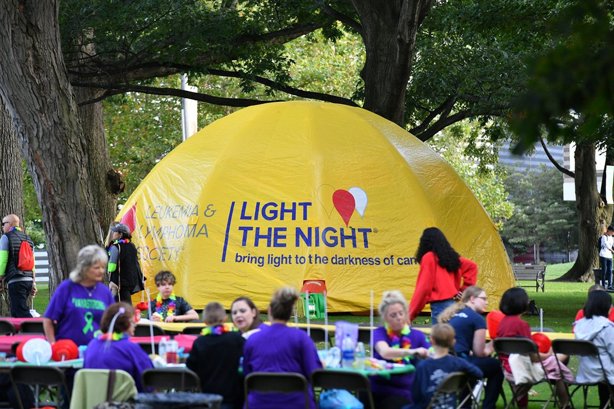 professional event planners | Light the night 2018 event tables and tent