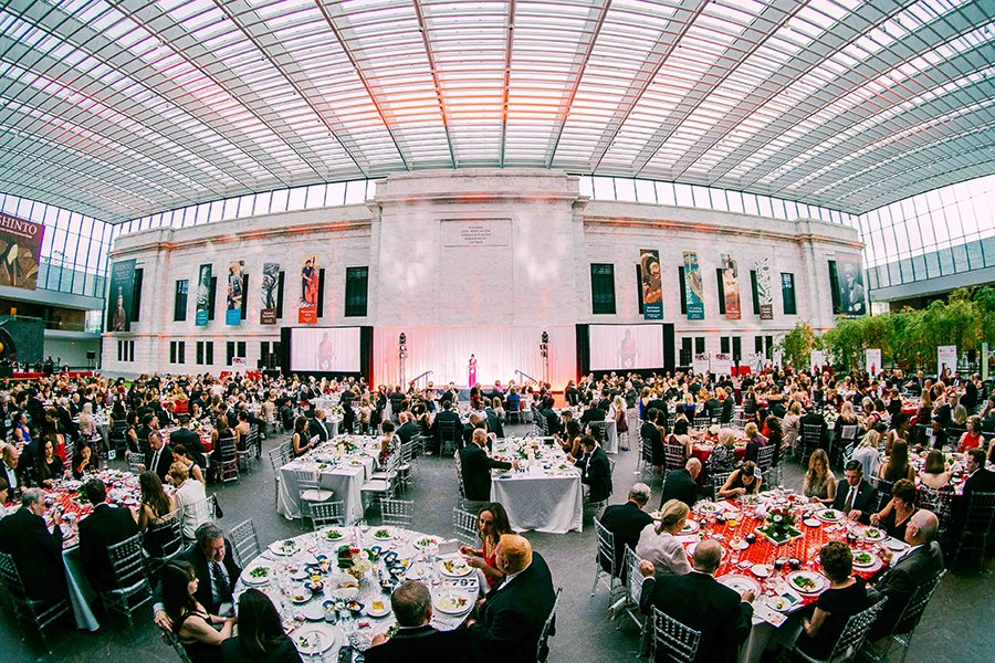 sports theme fundraising events | event dinner at cleveland art museum