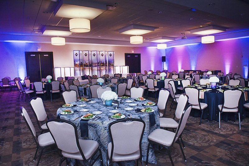 corporate event planners cleveland ohio | one team one dream event dinner tables